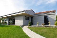 vivanbois-construction ossature bois-agrandissement de maison-bardage cédral éternit-menuiserie aluminium k line ral 9005-st georges des coteaux-1.jpeg
