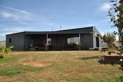 vivanbois-maison ossature bois-bardage cédral éterclin-menuiserie aluminium laqué noir-couverture bac acier-gémozac.jpeg
