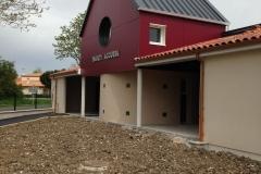 vivanbois-construction ossature bois-surélévation-bardage fundermax-menuiserie aluminium tellier ral 7016-crêche de saujon.jpeg