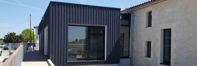 installation bardage bois mediathèque aiguille sur seudre charente maritime