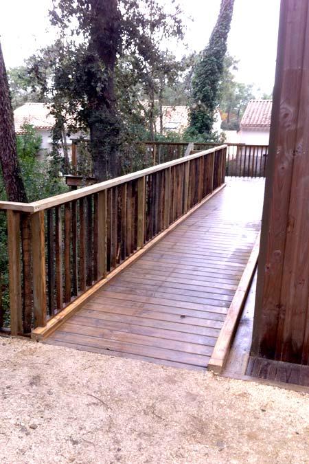 Aménagement extérieur, terrasse bois, pergola, clôture...